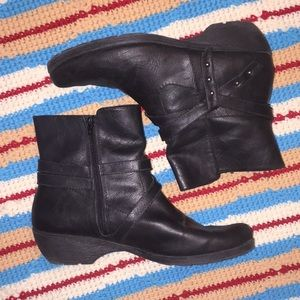 Women's Aerosoles Black Boots